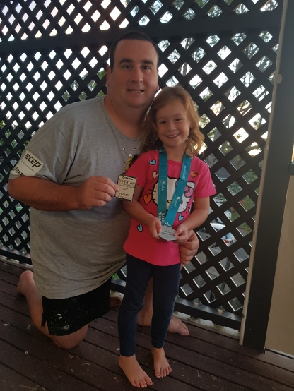 Daddy-Daughter medal/magnet shot